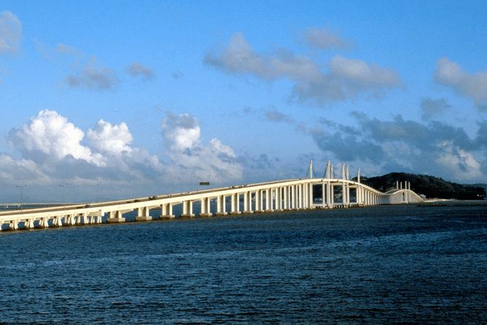 澳门友谊大桥桩基工程